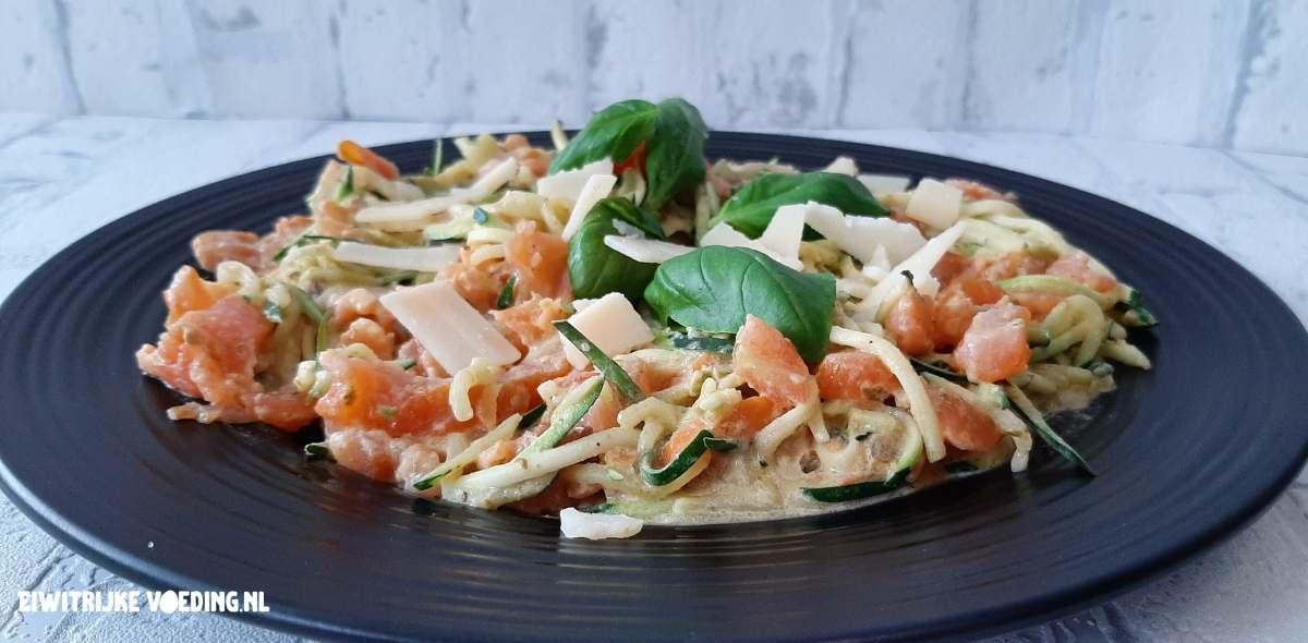 courgette spaghettini met zalm